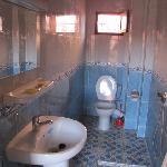 douche chambre 13 hotel salsabil marrakech