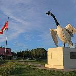 Wawa, Ontario city limit with 28' tall Canadian goose statue