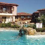 swimming pool with jakuzzi