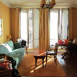 A nice bright living room: Double-3-or-4-pers