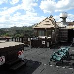 Hot tubs on the roof (4th floor)