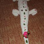 crocodile towel art