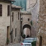 Porta Fontevecchio is just down the hill from Piazza Vallegloria