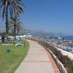 Le long de la plage