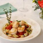 Seared Scallops with Tomato Fennel Saffron Sauce
