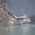 Das Schwesterschiff im Tracy Arm Fjord