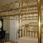 The amazing brass king size bed in the Swan Room