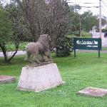 Lionshead Inn statue