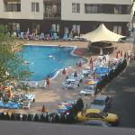 front quiet pool