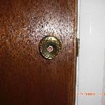 No inside door lock for privacy