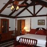 The Virginia Lodge