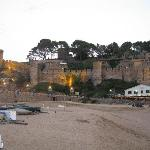 vista del castillo al atardecer desde el paseo