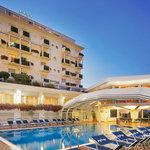 Atlantic Hotel Riccione, Piscina con acqua marina purificata