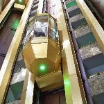 l' ascenseur de l'hôtel