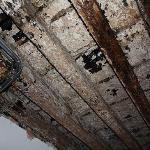 Las vigas del techo carcomidas