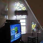 Room 40, Tv and Window