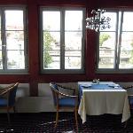 ..romantisch sind die Tische mit Blick auf die Regnitz und der rathausbrücke