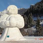 Statua di Neve Thun