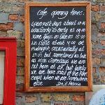 Timetable of a cafe near 't Walleke