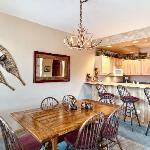 Dining Area w/Breakfast Bar