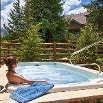 Oversized community hot tubs for a relaxing vacation!
