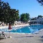 plusieurs piscines dont une piscine olympique