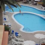 vue d'une partie de la piscine