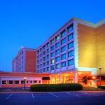 BEST WESTERN PLUS® Rockville Hotel & Suites at dusk