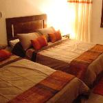 """deluxe rooms with TV Plazma LG 42"""" and twin Jacuzzi"""
