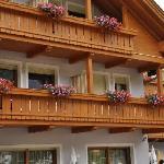 particolare dei balconi delle camere dell'hotel