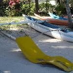 Kayak disponible ainsi qu'une pirogue tahitienne