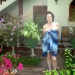Meine Mutter im Garten