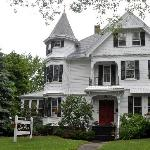 Foto de Lang House on Main Street Bed and Breakfast