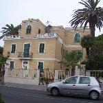 Die Villa vom Strand aus