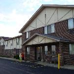 Super 8 by Wyndham Greensburg