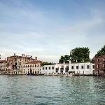 The Peggy Guggenheim Collection on the Gran Canal, Venice. Photo Andrea Sarti/CAST1466