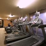 Doubletree Hotel Dallas Market Center fitness room