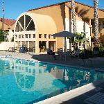 Swimming Pool area, Quality Inns & Suites, Vacaville