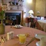 The Cosy Breakfast Room