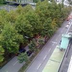 Die Straße vor dem Hotel, man hört sie definitiv