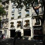 Fachada do Lux Hotel Picpus
