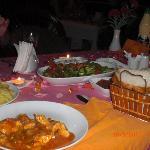Abendessen auf der Terrasse des Hotels