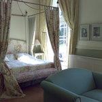 petit salon et lit