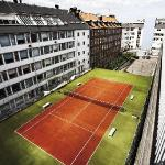 Tennis court - Best Western Mercur Hotel