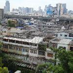 窓から見た市街