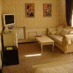 Honeybee dance-Suite - Room 1