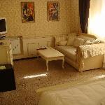 Honeybee dance-Suite- Room 2