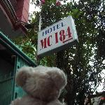 ホテルの入口です。