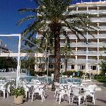 Photo of Hotel Villa Naranjos