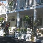 Scenic Inn Entrance